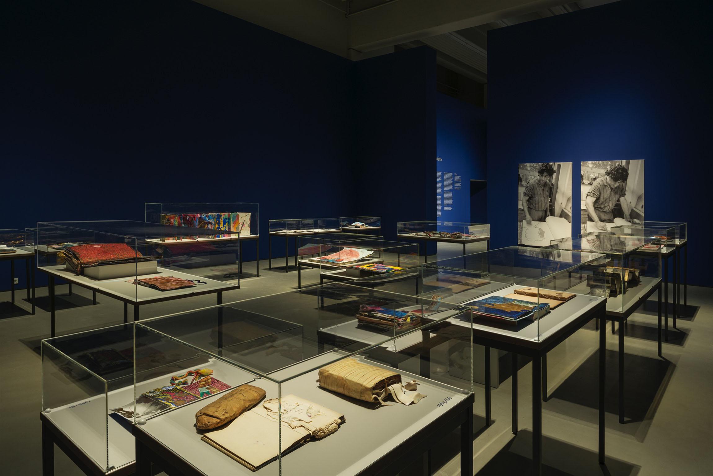 2019 Michael Buthe Die Tagebücher und Buchobjekte